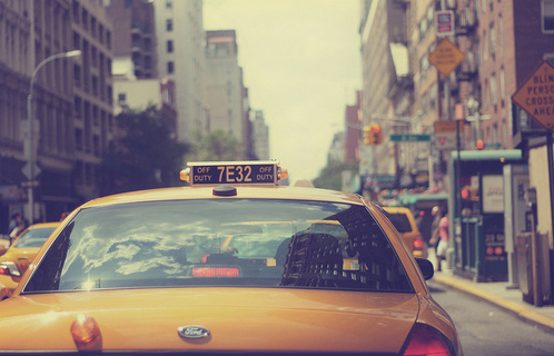 how-to-flag-nyc-taxi--cab-photo